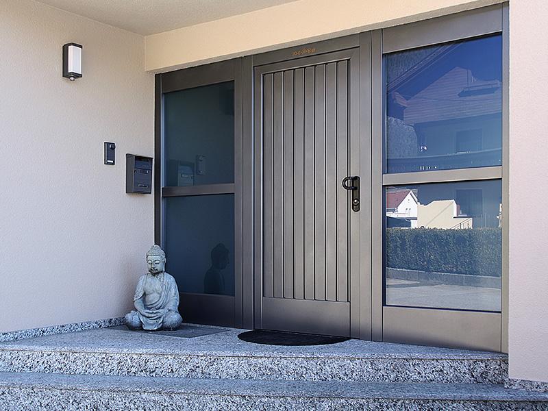 Aluverkleidung Eingangsbereich